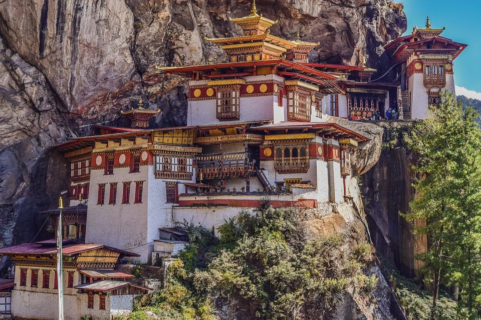 Pacote de viagem para Butão